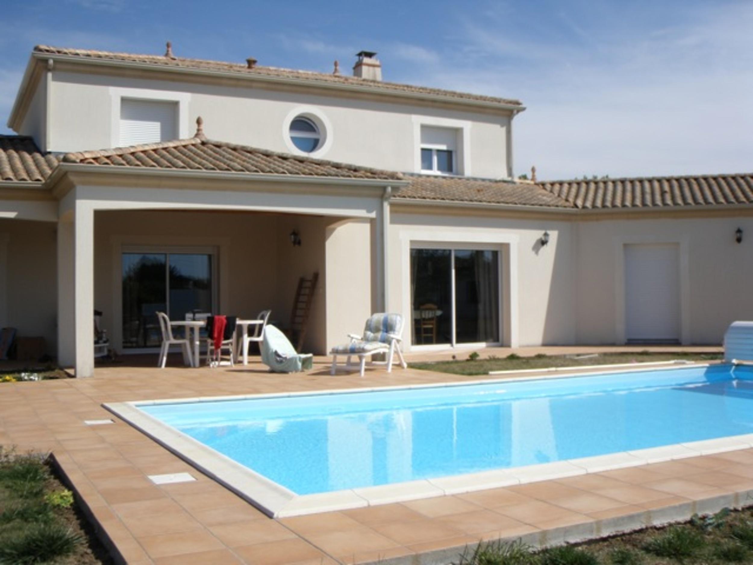 Gardiennage de villa avec piscine dans le pays de la Loire